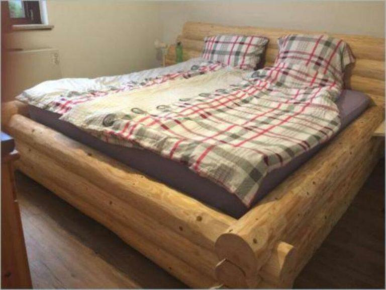 Rustikales Bett