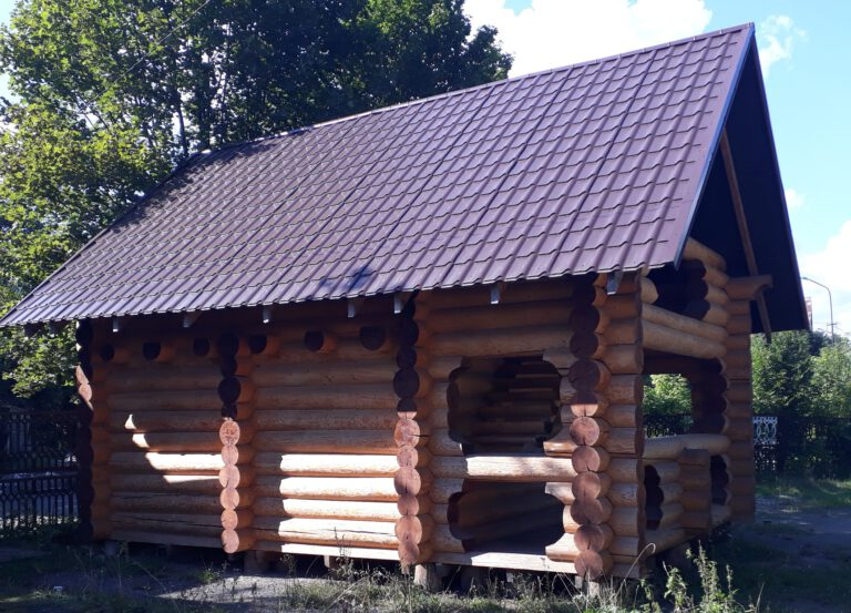 Rundstammblockhaus